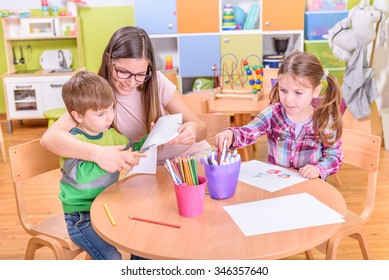 Preschool Teacher With Two  Kids - Creative Activities