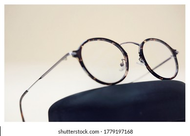 Prescription Glass Eyewear Frame Metal Frame Round Shape Swuare Frame Silver  Pilot Frame Product Photography