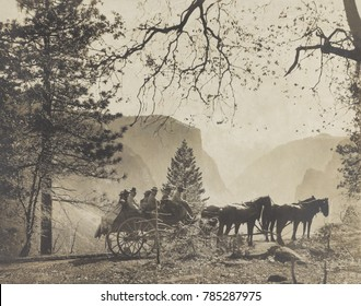 President Theodore Roosevelts party in a horse drawn carriage at Inspiration Point, Yosemite Valley. TR traveled with John Muir and others, May 15-17, 1903. On the 2nd night they camped near Sentinel