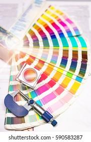 Press color management. cmyk stripe loupe control