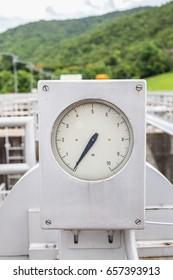 Pressure gauge at the dam