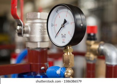 pressure gauges, thermometers and fittings for industrial use