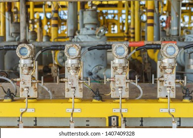 Pressure transmitter for measurement and monitor data. oil and gas process.