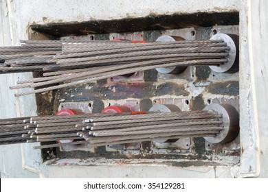 prestressed concrete bridge girdes post tensioned