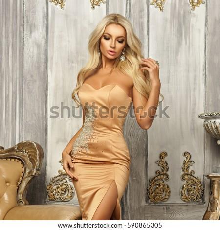 sexy blonde pics