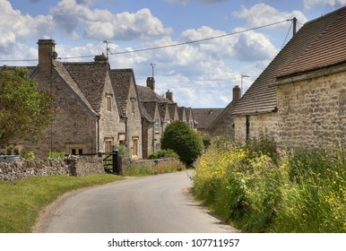 Pretty stone cottages in the village of Hazelton, Gloucestershire