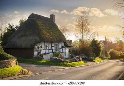 Pretty thatched cottage at Temple Grafton, Warwickshire, England