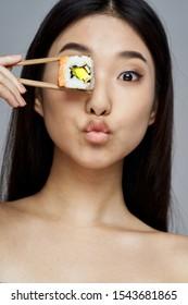 Pretty woman chopsticks diet health seafood diet