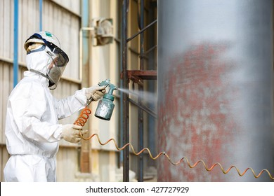 Primer painting by spray gun for protectection