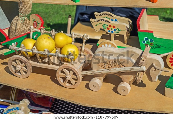 primitive-rural-handmade-souvenirs-wood-