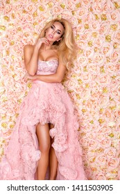 Princess, bride in pink wedding dress. Beautiful young woman - Image