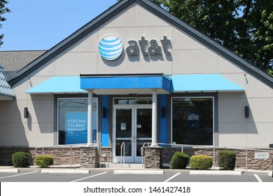 Princeton New Jersey - June 23, 2019:  AT&T Retail cell phone and mobility store. AT&T wrapped up its merger with WarnerMedia and now controls HBO and CNN V - Image