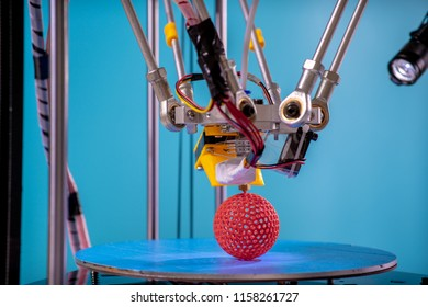 Print parts on a delta 3D printer in industrial lab