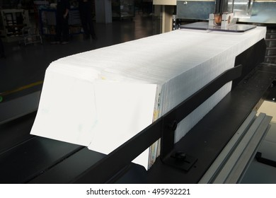 Printing Press - Machine for paper napkins (tissue) printed with digital technology