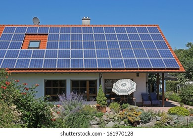 Private residential building with photovoltaic module