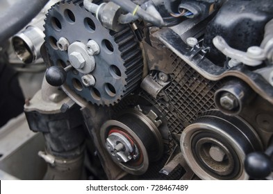 Process of changing the timing kit of the car in the car service.