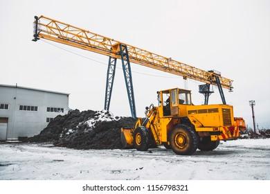Processing of scrap metal in briquettes