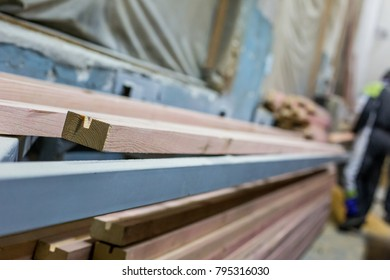 Processing of wooden beams in the factory