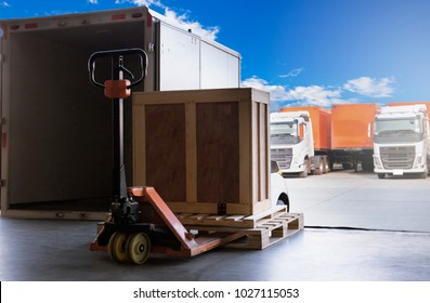 Product on wooden pallet to be delivery to customers. Logistic transport by truck.