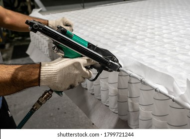 Production Block springs for mattresses. Pocket independent withAir gun for shooting spring mattress