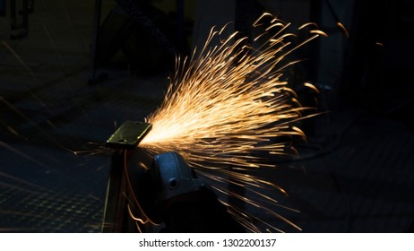 production of metal structures. Enterprise processing metal. Processing of metal products and metal structures at the factory, factory, enterprise and organization. Abstra