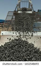 Production process of Sponge iron briquette in the factory