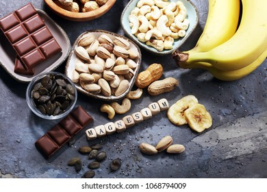 Products containing magnesium: bananas, pumpkin seeds, cashew nuts, peanuts, pistachios, dark chocolate and sesame seeds