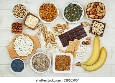 Products containing magnesium: pumpkin seeds, poppy seed, cashew nuts, beans, raw cocoa beans, almonds, sunflower seeds, oatmeal, buckwheat, peanuts, hazelnuts, pistachios, dark chocolate, sesame bars