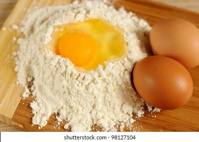 Products for home-baked eggs and flour