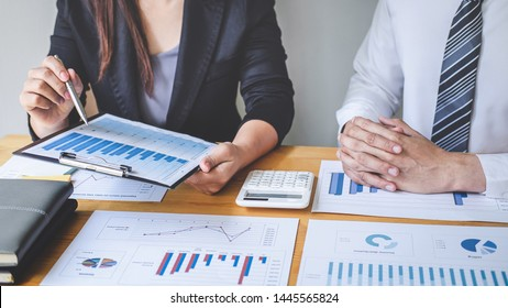 Professional executive Business colleague team working and analyzing with new project of accounting finance, Idea presentation and meeting strategy plan of financial business investment.