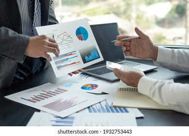 Professional executive Business colleague team working and analyzing with new project of accounting finance, Idea presentation and meeting strategy plan of financial business investment
