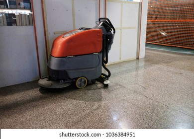 professional floor scrubber