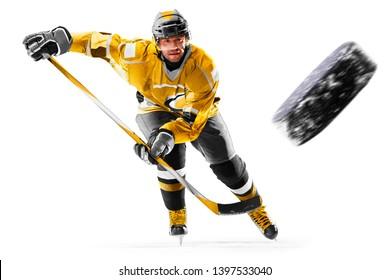 Professioneller Eishockeyspieler in Aktion auf weißem Hintergrund