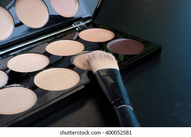 a professional makeup palette - concealers with blush