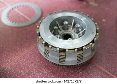 Professional mechanic clutch Change Maintenance motorcycle. Mechanic clutch. Clutch Maintenance.