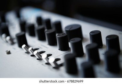 Professional midi controller for party dj & music producer.Play & remix tracks with modern audio equipment.Focus on faders,regulators to control volume and sound effects