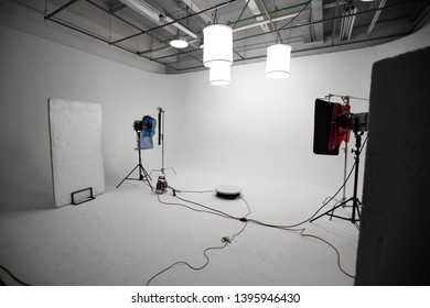 professional photostudio's equipment and softbox