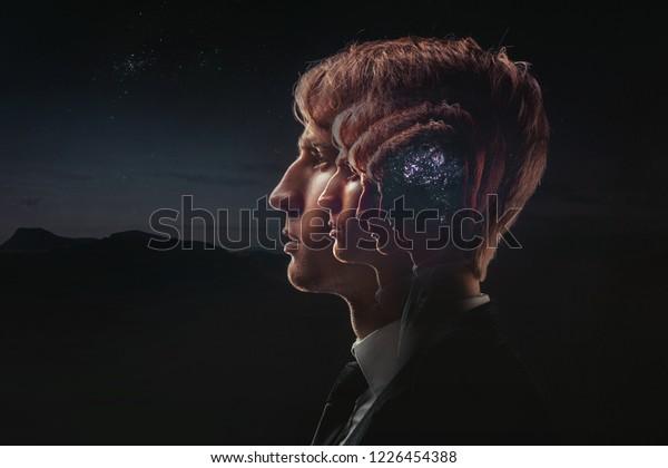 Profil eines jungen Mannes mit mentaler Aktivität Gehirn und Bewusstsein, mit dem Kosmos als Gehirn. Das wissenschaftliche Konzept. Das Gehirn und die Kreativität
