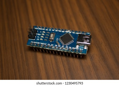 Programmable microcontroller for DIY chip