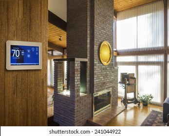 Programmable thermostat for temperature control in home
