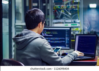 Programmers are developing applications to meet the needs of businesses, whether government or private. The convenience of management over smartphones.