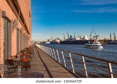Promenade along the Hamburg Harbor