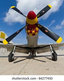 Propeller plane, corresponding to a P-51 Mustang
