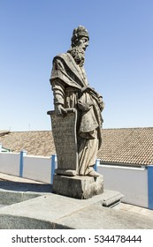 Prophet Nahum Statue, holding a parchment with Latin writings that say: I point out that punishment awaits sinful Nineveh. I declare that Assyria will be utterly destroyed. Chapter 1.