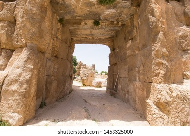 The Propylaeae. The ruins of the Roman city of Heliopolis or Baalbek in the Beqaa Valley. Baalbek, Lebanon
