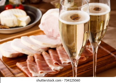 prosciutto and champagne glass