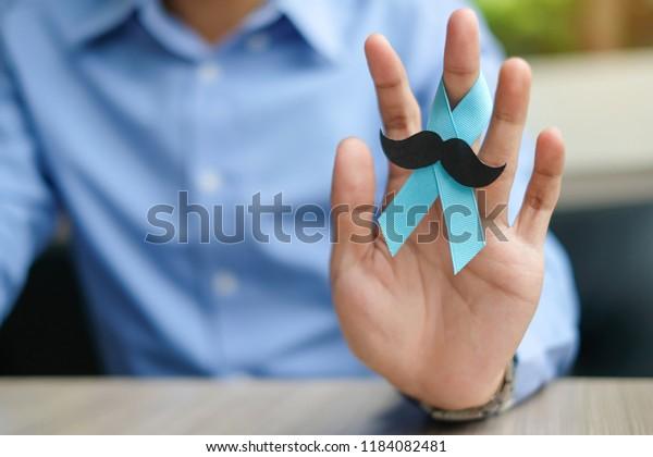 cinta azul para concienciar sobre el cáncer de próstata