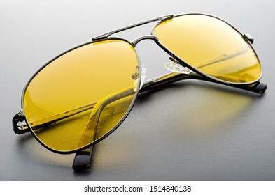 Protection sunglasses with yellow polarized lens