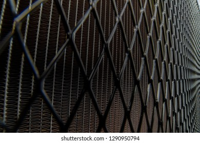 Protective grille for cooling radiator