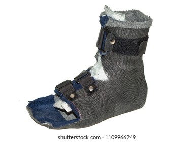 Protective inexpensive foot casting bandage  made of synthetic cast for walking